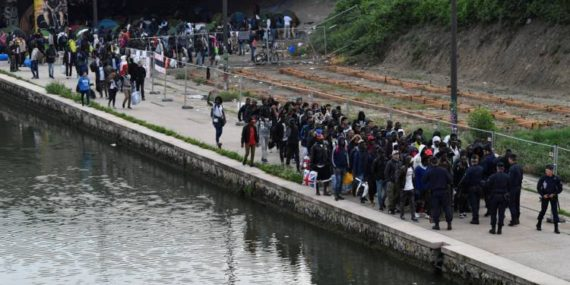 Destitution Hidalgo Evacuation Migrants Clandestins Paris