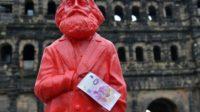 Le cardinal Reinhard Marx rend hommage à Karl Marx lors du bicentenaire du «père» du communisme