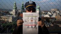 Un leucémique arrêté par la police à cause de son masque médical: le ridicule du politiquement correct