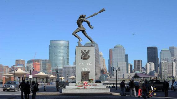 monument Katyń Jersey City