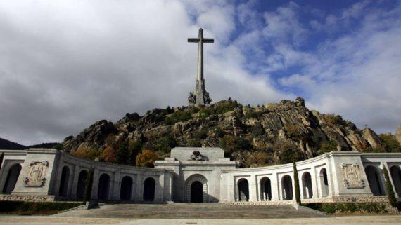 Espagne Sanchez Déterre Franco Guerre Civile Hache