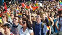 Sous le nom de Parade de l'égalité, la Gay pride de Varsovie est soutenue et financée par des Occidentaux en Pologne