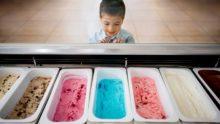 En Grande-Bretagne, un enfant retiré à sa mère par les services sociaux parce qu'elle refusait de lui offrir une glace!