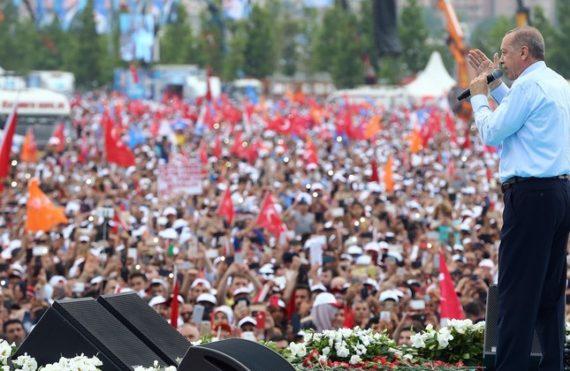 Meeting électoral Erdogan Istanbul centaines milliers militants