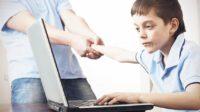"""Royaume-Uni: la campagne du """"Telegraph"""" pour faire agir le gouvernement et les géants d'Internet contre l'addiction des enfants à internet"""