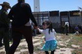 Familles d'immigrés clandestins séparées des enfants: Trump les réunit mais les Démocrates continuent leurs attaques