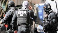 L'ultra-droite terroriste revient: les journalistes français incorrigibles