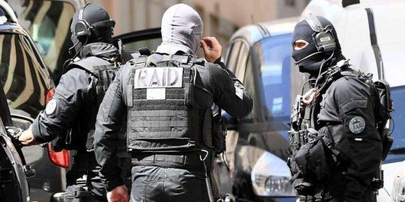 Ultra droite Terroriste Revient Journaliste Français Incorrigibles