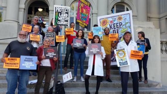controle population face urgence climatique Berkeley Californie résolution