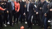 Macron, Thierry Henry, Trump, les Bleus: la vraie politique, c'est le foot!