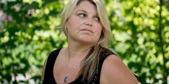 femme canada victime violences partager chambre homme trans refuge