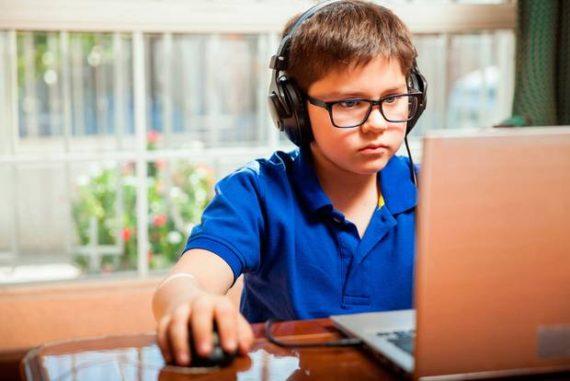réseaux sociaux jeux vidéo régression immaturité trois ans âge mental