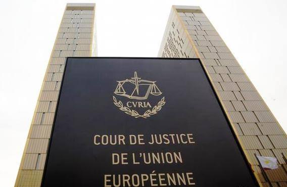 Cjue discrimination medecin catholique licencie Allemagne remariage divorce