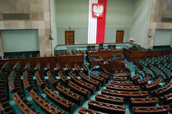 Pologne Commission CJUE réforme justice