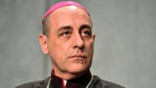"""Pour défendre le pape François, Mgr Victor Manuel """"Tucho"""" Fernandez s'en prend vertement à MgrCarlo Maria Viganò"""
