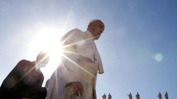 pape Francois accuse dévoilent péchés éveques