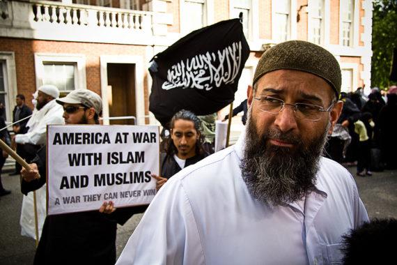 Islamiste Anjam Choudary liberté conditionnelle terroristes Royaume Uni