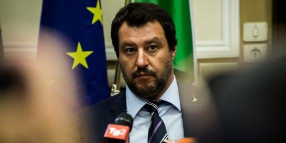 Italie Bruxelles Socialisme Paradoxe Utilise Mur Argent Peuple