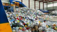 Un conseil municipal au Royaume-Uni met fin au tri des déchets plastiques