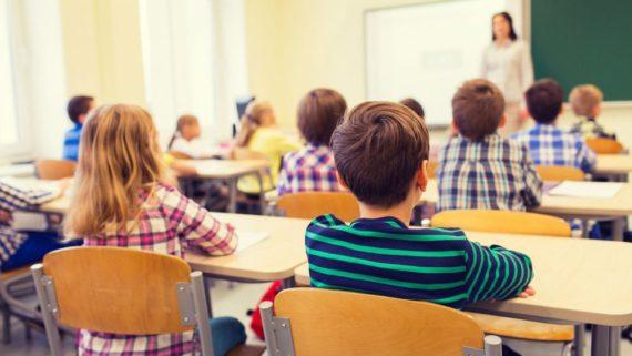 Ecoles chrétiennes Alberta sexualisation enfants David Eggen