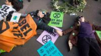 Climat : les écologistes révolutionnaires d'Extinction Rebellion, soutenus par l'ex-archevêque de Cantorbéry, Rowan Williams