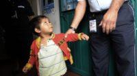 Les parents clandestins soi-disant victimes de «la séparation des familles» ont choisi d'abandonner 500 enfants aux États-Unis